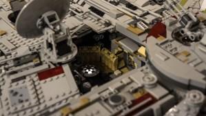 lego-millennium-falcon-ucs-2017-13