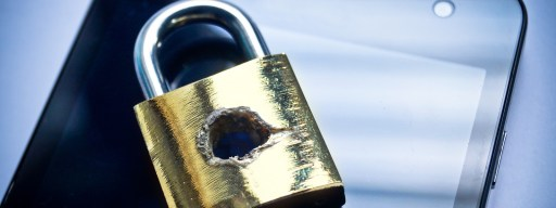 padlock-smartphone-security-breach