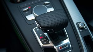 Audi RS4 Avant gear select and control dial