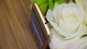 Motorola Moto G5S top edge