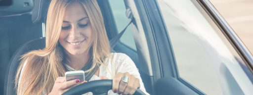 using_your_phone_in_a_pulled-over_car_is_now_illegal_in_france_1