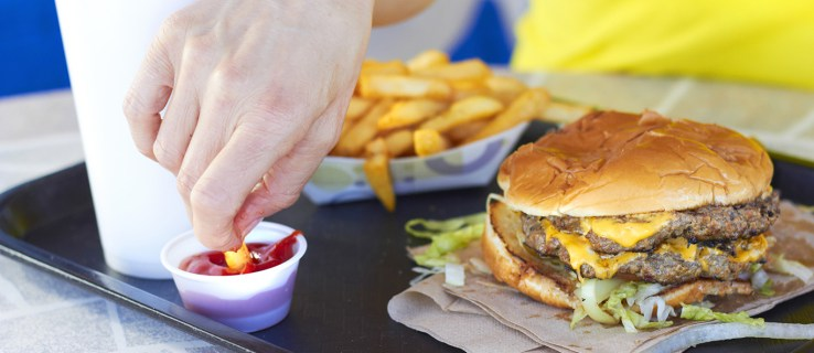 Eating out may increase exposure to toxic chemicals, study finds