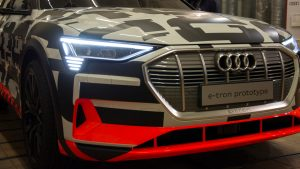 audi_e-tron_concept_car_front_angled