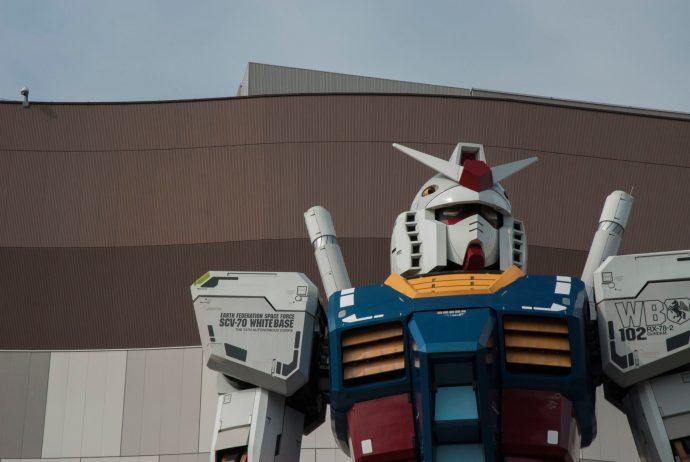 tokyo_day_5_odaiba_gundam_statue_close_up