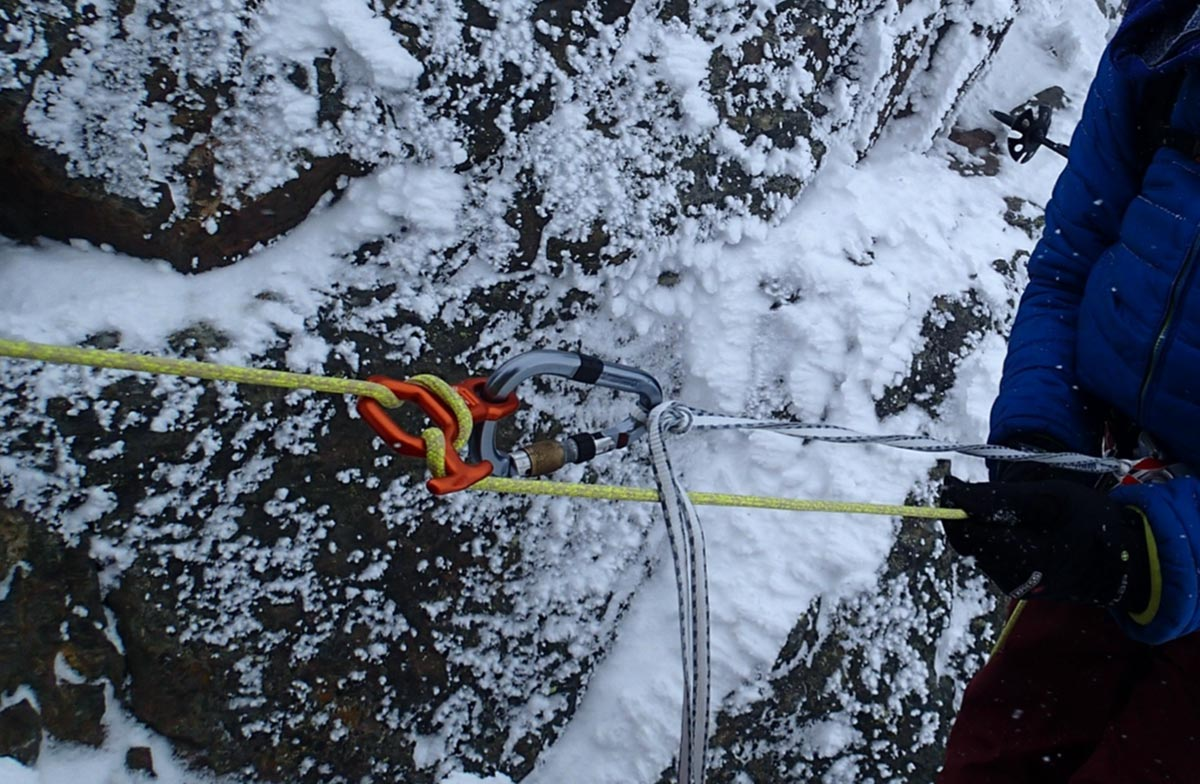 Dyneema in der Praxis, Abseilen mit Achter | Alpine Kompetenz