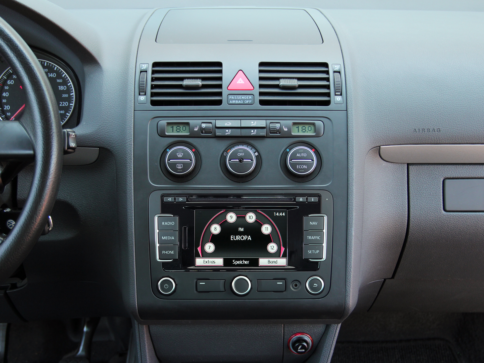 hight resolution of installation kit for ine w928r vw touran tiguan seat alhambra skoda roomster fabia octavia 2 and others alpine kit 8vwt
