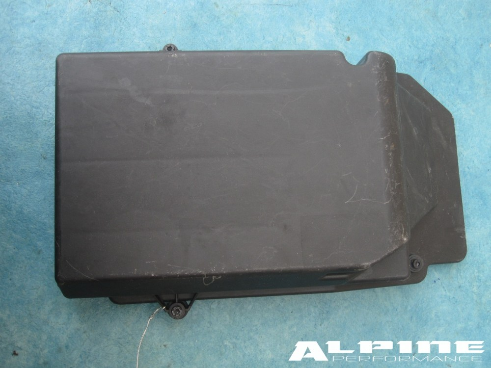 medium resolution of mercedes benz s550 cl550 left case housing fuse box cover w221 w216 40 00 1 in stock