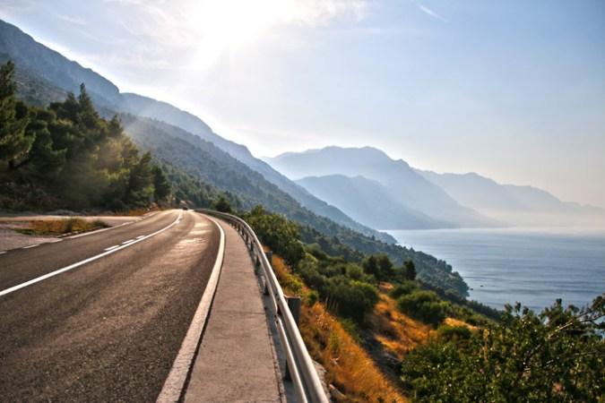 alpine-road-photo