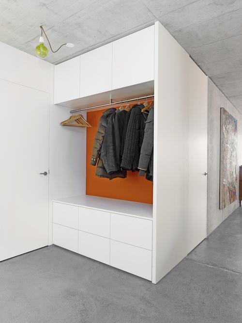 Garderobenschrank  die Visitenkarte im Eingangsbereich