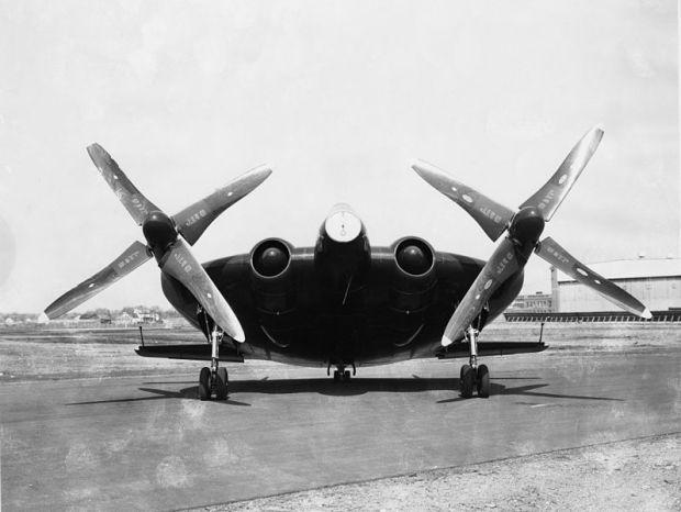 Sin duda, uno de los aviones con un aspecto más extraño jamás construido. (San Diego Air and Space Museum).