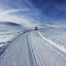 Schneewüste: Dem Fatbiker steht die verschneite Bergwelt offen.