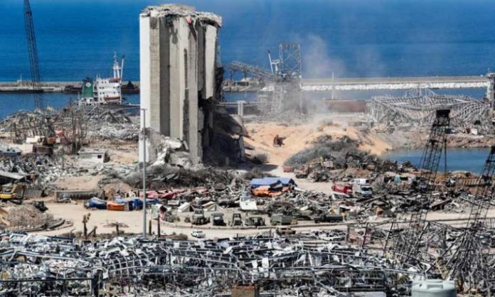 Has the judicial investigator issued an arrest warrant for Minister Fenianos in the Beirut Port explosion case?