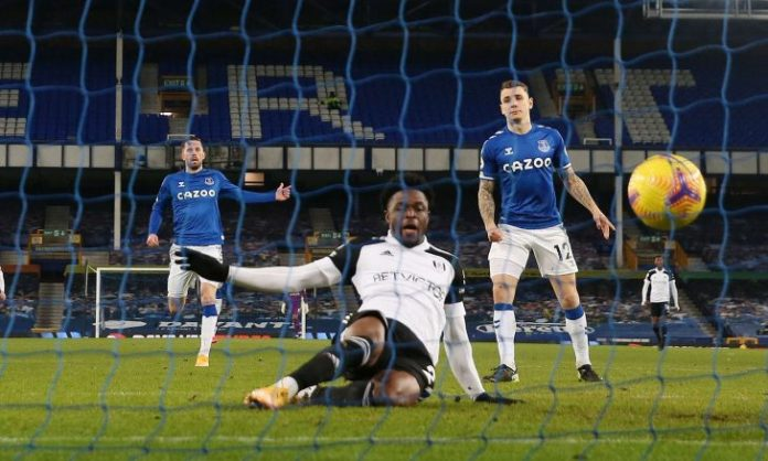 Everton falls to his field with a double from Fulham