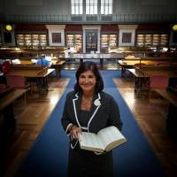 Entrevista a Glòria Pérez-Salmerón, Directora de la Biblioteca Nacional de España