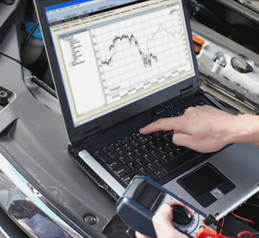 برمجة كمبيوتر السيارات
