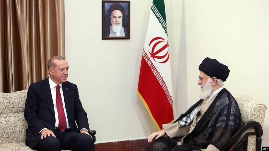 المرشد الإيراني علي خامنئي، والرئيس التركي رجب طيب إردوغان - أرشيف