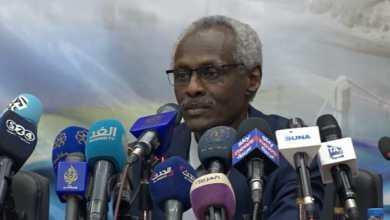 وزير الري ياسر عباس