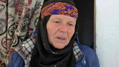 والدة منفذ هجوم نيس ابراهيم العيساوي تتحدث إلى صحافيين في منزل العائلة في صفاقس التونسية في 30 تشرين الأول/أكتوبر 2020 فتحي بلعيد ا ف ب