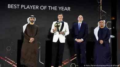 """بعيد حصوله على لقب أفضل لاعب في العالم """"ذا بيست"""" للفيفا، ليفاندوفسكي يحصد جائزة """"غلوب سوكر"""" لأفضل لاعب في 2020."""