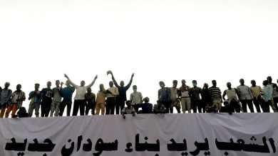 الثورة السودانية: الشعب يريد بناء سودان جديد - رويترز