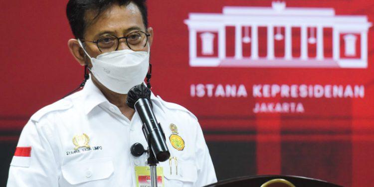 Mentan Syahrul Yasin Limpo memberikan keterangan pers usai Rapat Terbatas yang dipimpin oleh Presiden Jokowi membahas pengembangan budidaya sarang burung walet dan tanaman porang, Rabu (04/05/2021), di Jakarta. (Foto: Humas Setkab/Agung)