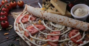 مطعم منؤشة الريف فرع العزيزية