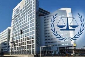 """الحكومة السودانية: """"الجنائية"""" تلاحق البشير بسبب جنسيته"""