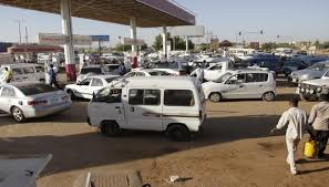 أزمة  وقود بالخرطوم