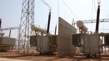 وزير الطاقة  يدافع عن زيادة في تعرفة الكهرباء
