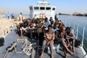 غرق 15 مهاجراً أفريقياً في البحر المتوسط