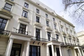 مجلس تابع للبشير يبيع عقارات سودانية بلندن ويورد الثمن في بنك قطري