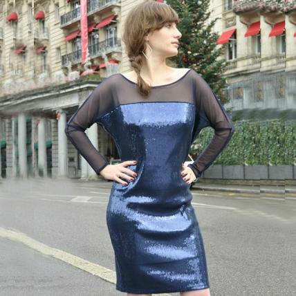 Sukienka cekinowa z długim rękawem icon