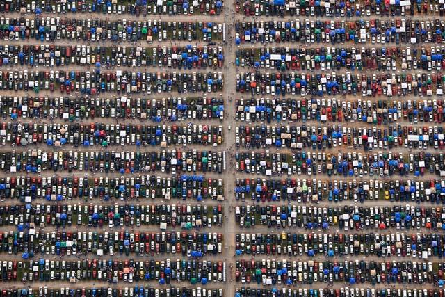 5. Carros estacionados