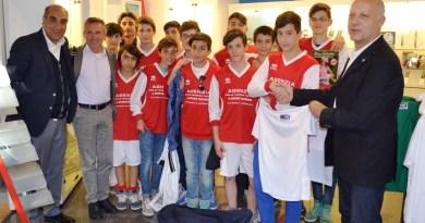 Antonello Quarto premia i giovani calciatori altamurani