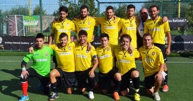 Foto di squadra per la Pellegrino Sport