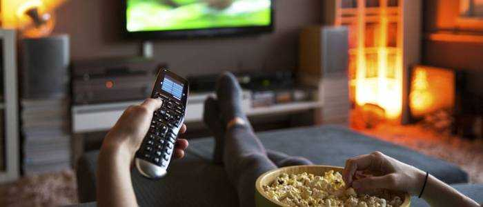 قضاء فترات طويلة أمام شاشة التلفزيون
