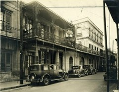 The LaLaurie Mansion (New Orleans) - furthest building on the right (1930's)