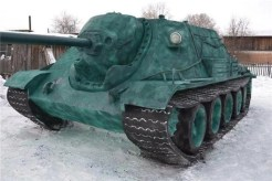 Russian teen builds realistic life-sized tank out of snow