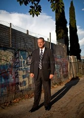 Detective Dennis Kilcoyne in the alley where the body of Barbara Ware was found in 1987