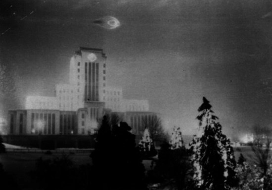 Vancouver City Hall UFO photo taken by 21-year-old solder, Leonard Lamoreux