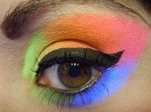 Fluorescent Eye Shadow
