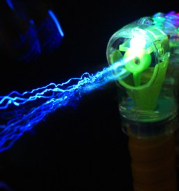 Light Up Bubble Gun With 2 Refills of Bubble Solution