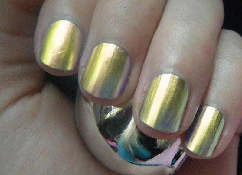 Chrome Nail Polish - Gold