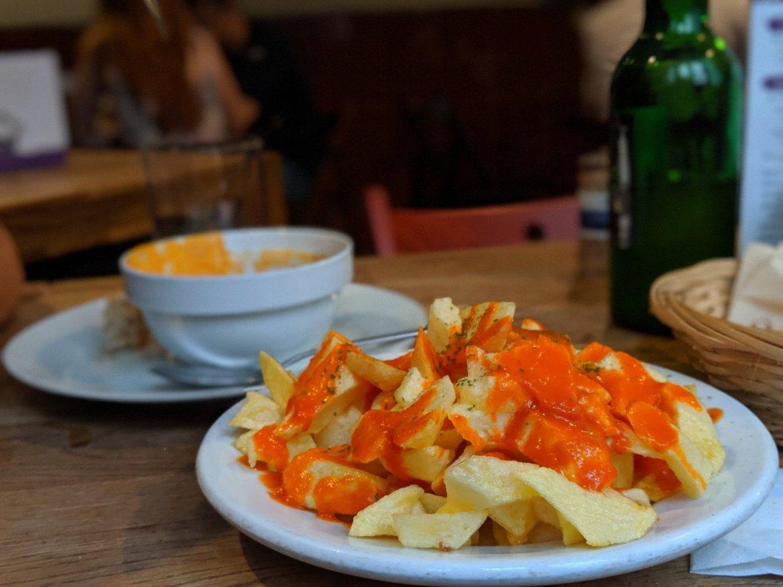 patatas bravas (potatoes with spicy sauce)