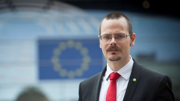 Max Andersson (MP) menar att storföretagens lobbyister snedvrider den politiska spelplanen