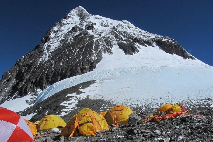 Petite histoire de la disparition du Ressaut Hillary (Everest)
