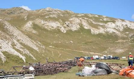 démontage de ligne électrique en montagne