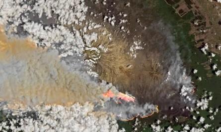 incendie sur le Kilimandjaro vu du ciel