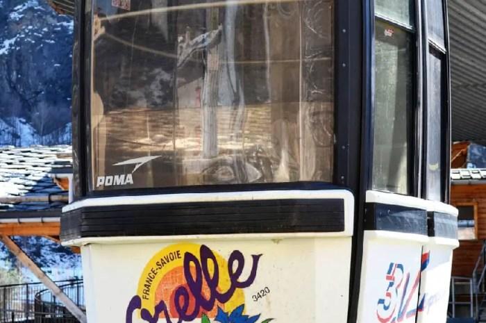 Télécabine d'Orelle à vendre : les acheteurs s'arrachent les 50 cabines !