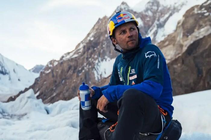 Andrzej Bargiel décolle pour une expédition de ski extrême au Karakoram